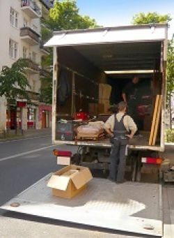 france moving van